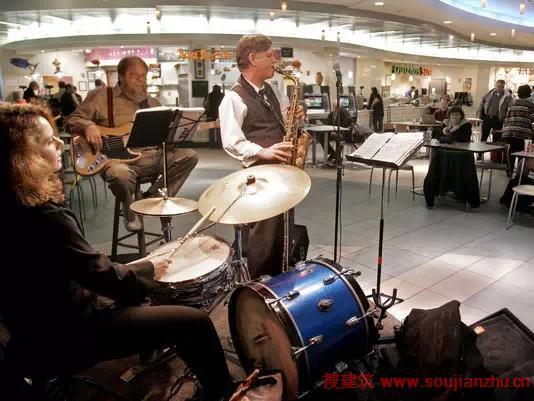 飞机场上最好玩综合体们!不想飞走了!