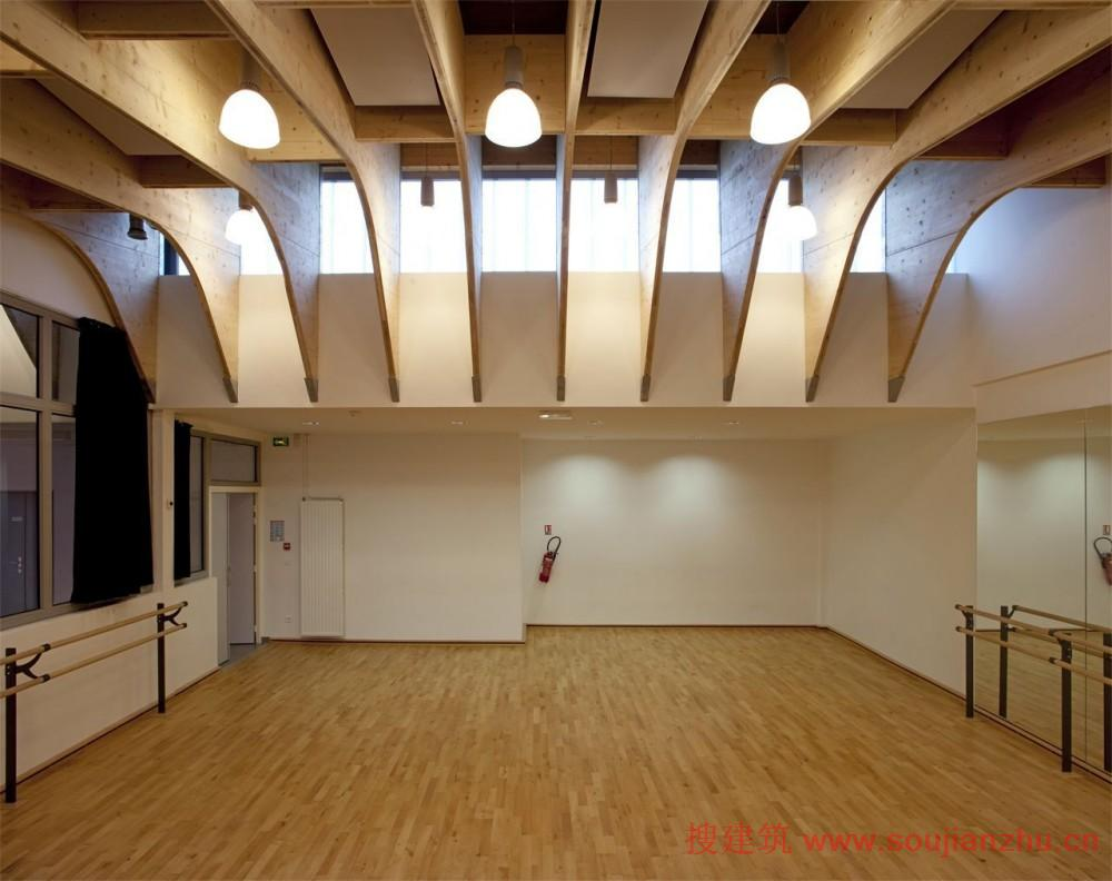 新中式装修过道走廊房顶