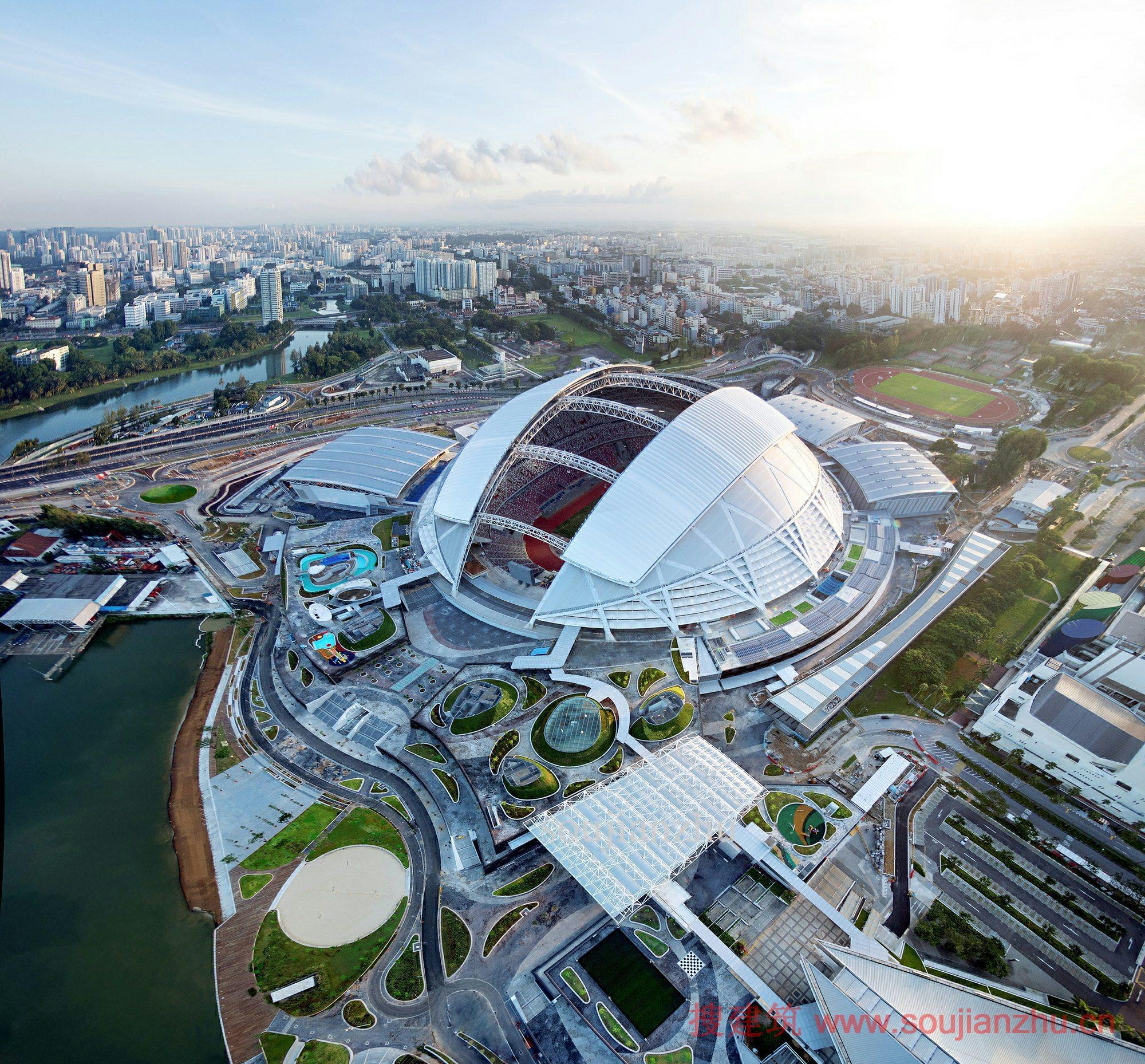 项目名称:新加坡体育城 建筑设计:DP建筑师事务所,Arup 景观设计:AECOM 地点:新加坡 年份:2014 新加坡体育城 愿景 - 创建一个独特的生态系统 2014年6月新加坡庆祝了亚洲首个体育、休闲和生活方式的综合性中心-新加坡体育城的开幕。新加坡体育城坐落在风景优美的35公顷滨水场地,提供了一个独特的体育、购物和休闲场所的综合生态系统,同时成为新加坡拓展的城市中心和公共市区之间的枢纽。 新加坡体育城是新加坡政府市区重建及体育设施总体规划2030年新加坡体育远景规划 的一个重