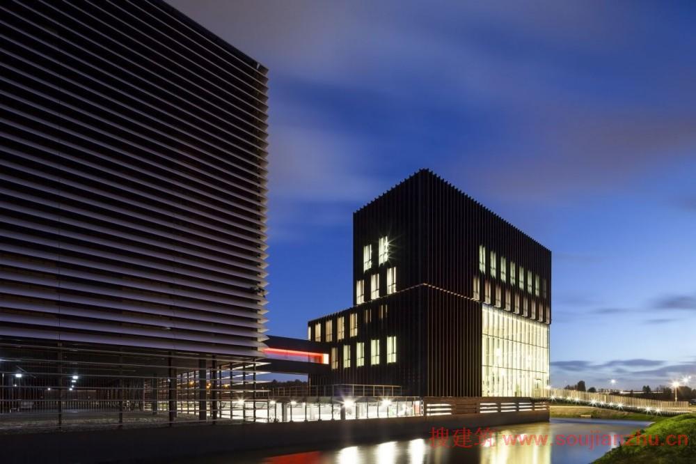 2013建筑面积规范_搜建筑网 -- 荷兰·AM3数据中心---Benthem Crouwel Architects