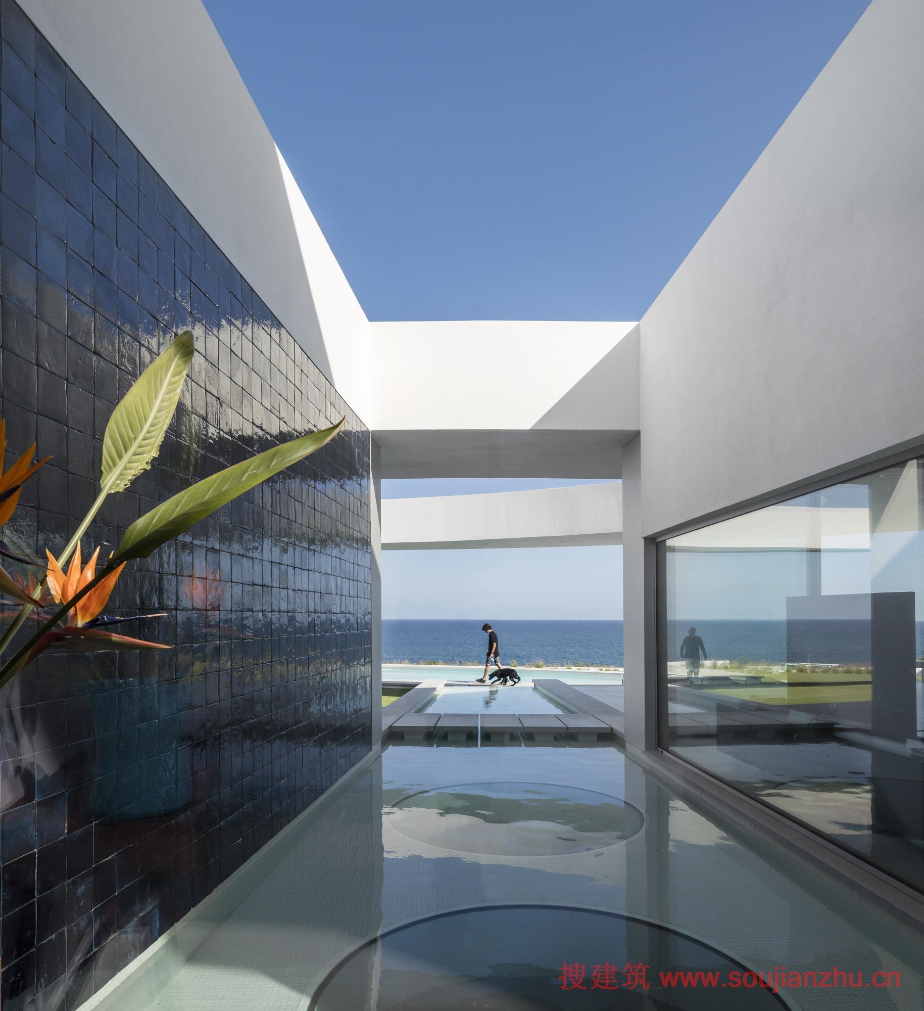 搜建筑网 -- 葡萄牙·椭圆形的住宅