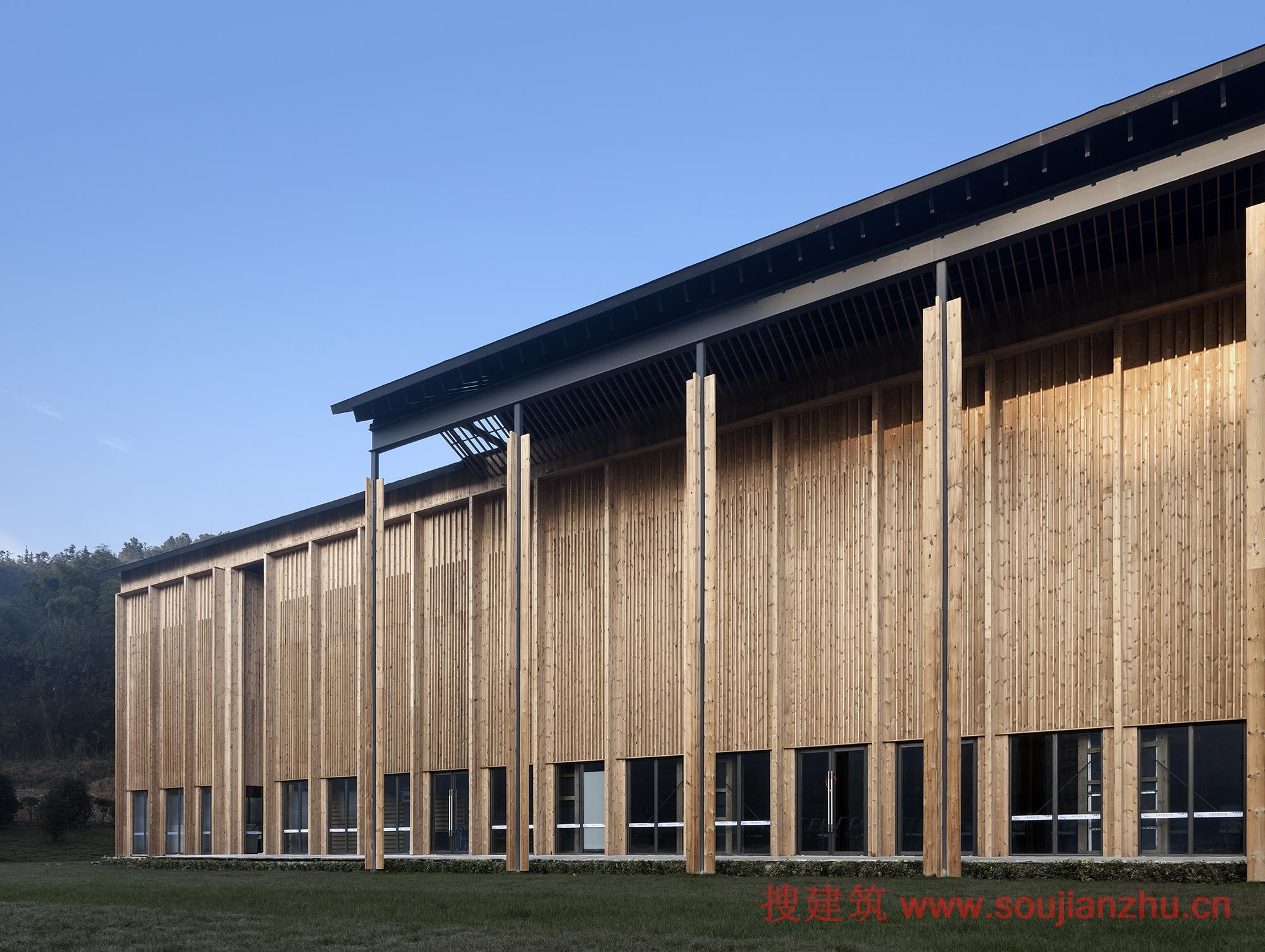 装配式的杆件结构是温室大棚的轻钢结构建造类型的发展.