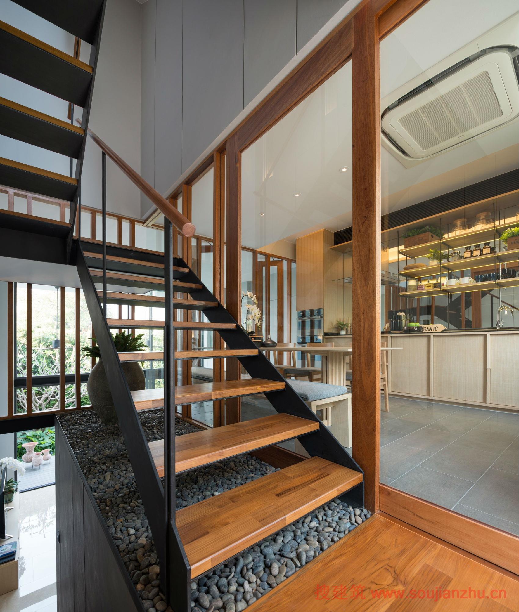 泰国·带私人花园的联排别墅